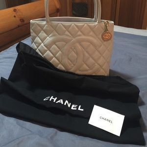 Handbags - AUTHENTIC CHANEL MEDALLION TOTE BAG